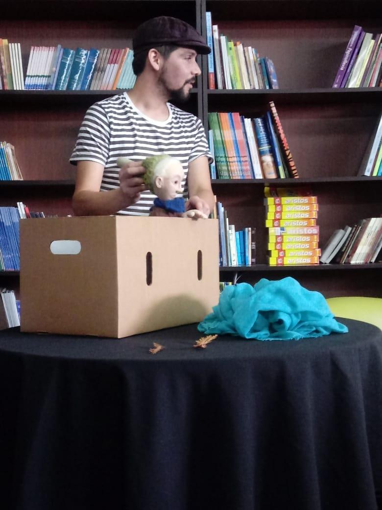 Estudiantes recibieron regalo en el marco del día del libro