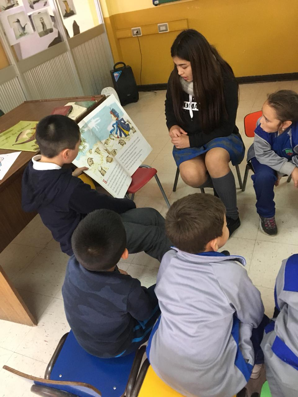 Candidatos a centro de alumnos hacen actividades para su campaña